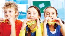 Srpski lekari savetuju: Bolje dati deci parče hleba s mašću, nego mlečnu čokoladu