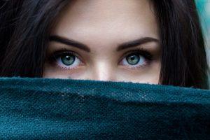 10 stvari koje treba da ostavite u prošlosti: evo kako da skinete emotivni teret i hrabro koračate ka budućnosti!