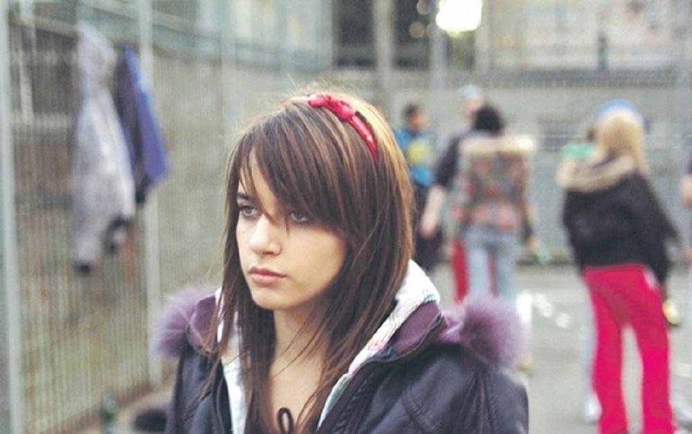 Sada je glavna u domaćim serijama, a snimala je scene s*ksa sa samo 14 godina