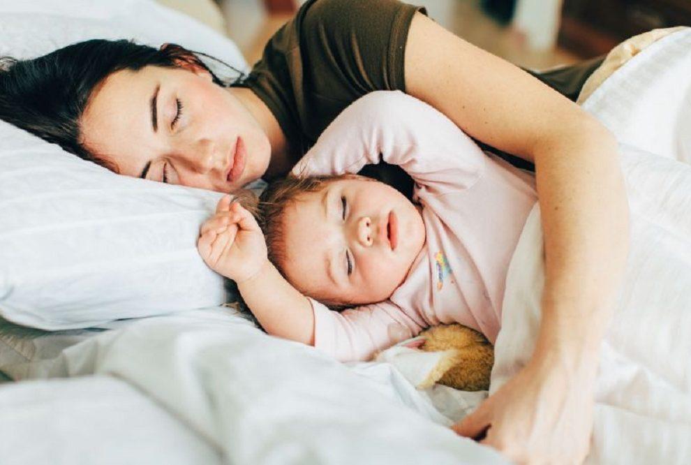 Mame rade ove, ne tako prijatne stvari, kada se noću bude zbog bebe