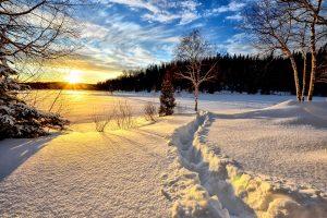 Najvažnija stvar koju treba da uradite na Badnje veče: moćna zapovest koja vraća mir i sreću!