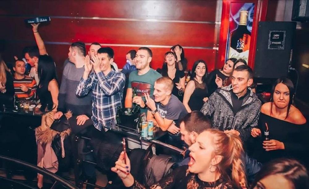 Dejan Matić je svirao na raznim mestima, ali će jedan nastup VEČNO pamtiti po OVOM DOGAĐAJU!