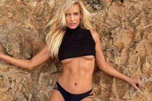Ova sportistkinja kada obuče MINI BIKINI postaje FATALNA zavodnica od koje teško možete pomeriti pogled
