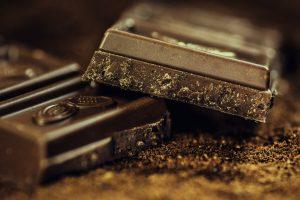 SVI JE IZBEGAVAJU ZBOG KILOGRAMA, a nisu znali da je čokolada LEKOVITA: Evo u čemu pomaže