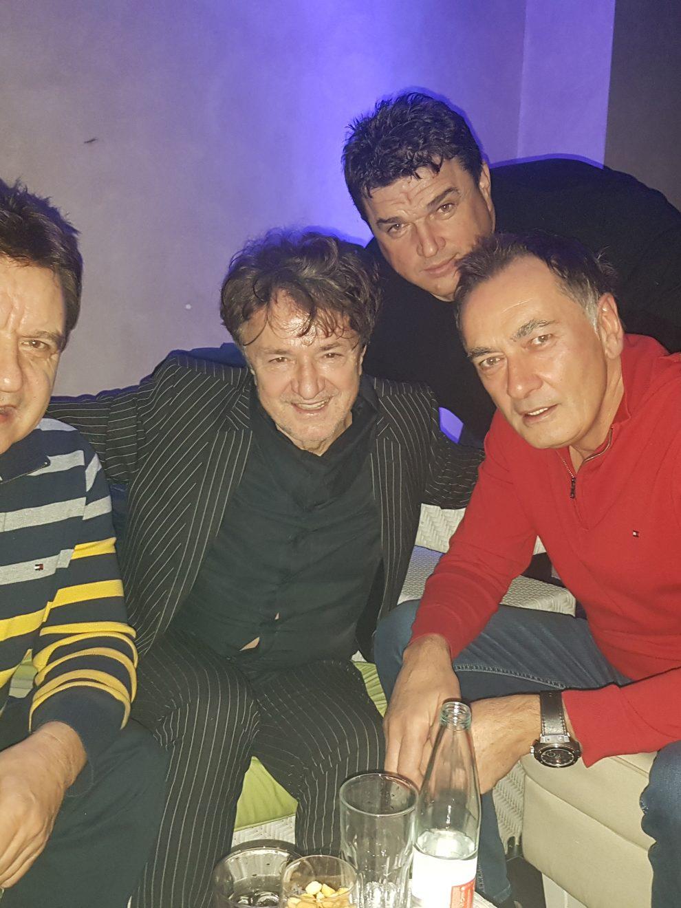 Goran Bregovic u nocnom provodu sa Senadom Hadzifejzovicem i Elvirom Bolicem