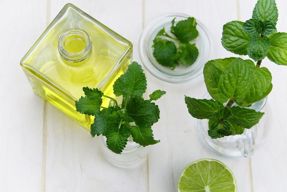 Domaći sok od nane - i leči i osvežava! (RECEPT)