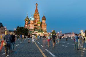 Ovih 7 uobičajnih stvari u Srbiji, u Rusiji smatraju nekulturom