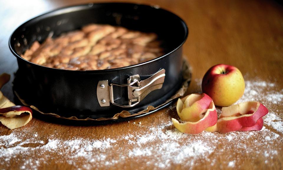 RECEPT DANA: Pita sa jabukama bez kora