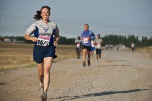 Atletičarka je oborila svetski rekord, trčala je 24 sata, a usred trke jela takose, pila pivo i koka-kolu