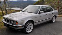 11 novih modela BMW-a, Serije 5, iz 1994 godine, pronađeno u jednom skladištu