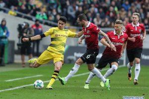 """Brutalni Dortmund pregazio Hanover i poručio Bajernu da """"zaboravi na titulu"""""""