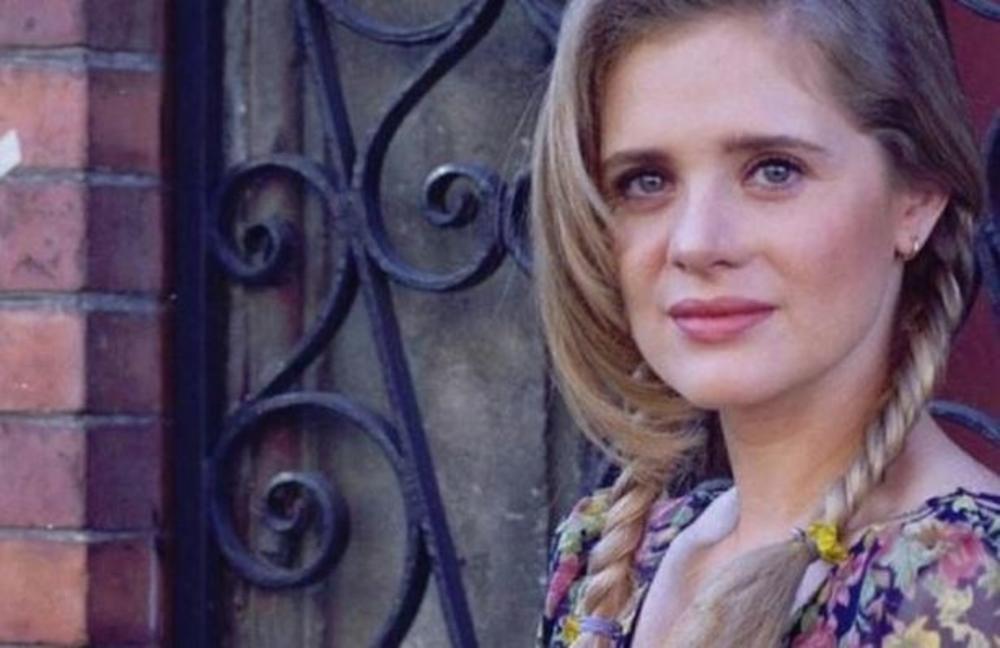 Marisol, devojka sa ožiljkom na licu koju je Srbija obožavala, pobedila je poroke, a predsedniku države rodila sina