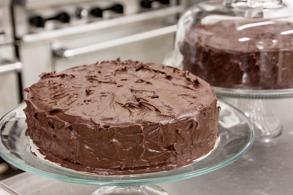 Poslastica dana: ČOKOLADNA TORTA! U ovome slatkišu ćete SVI UŽIVATI!