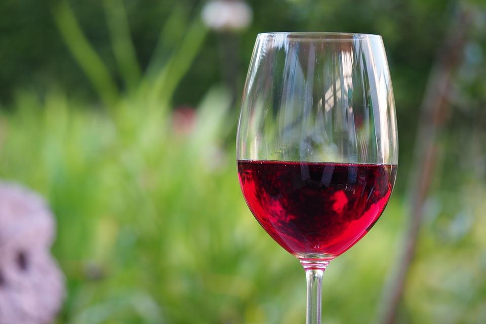 Prednosti CRNOG VINA..Jedna čaša za srce i osmeh!