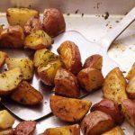 RECEPT DANA: Zapečeni mladi krompir