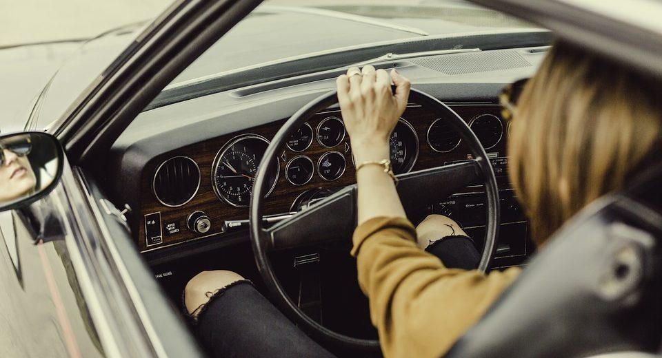 Novi zakon o bezbednosti u saobraćaju! Za ove PREKRŠAJE sledi ODUZIMANJE VOZILA!