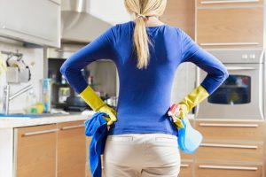 Domaći sprej od 4 sastojka sa kojim možete očistiti baš sve u kući!