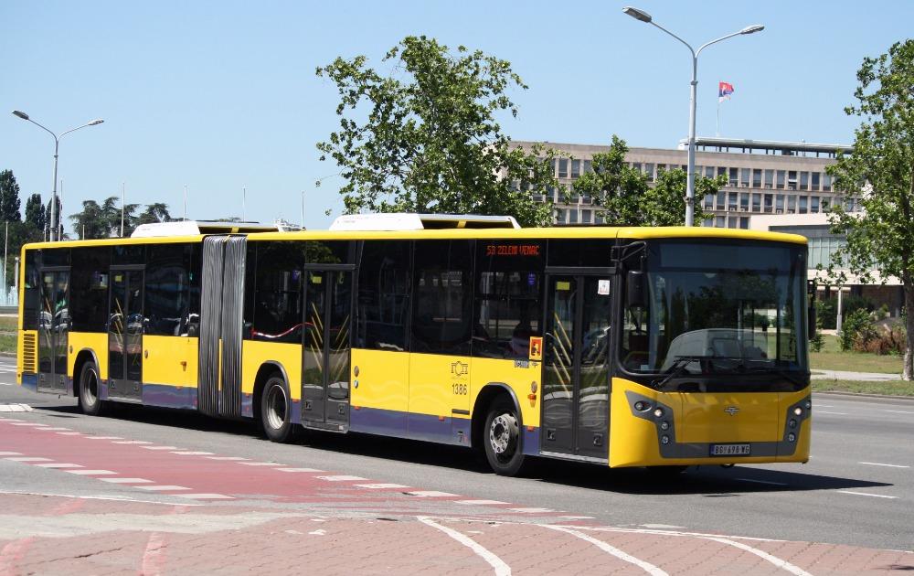 Gradski prevoz – stručnjaci savetuju kako se ne zaraziti u njemu!