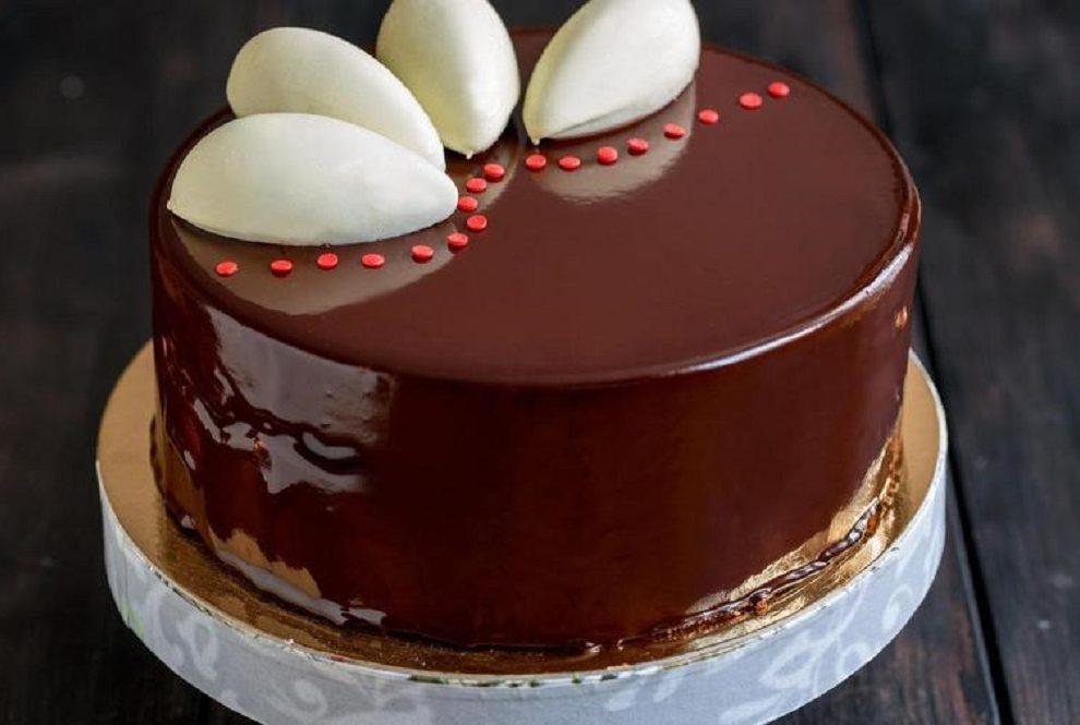 Saveti kako da naučite da pravite staklenu glazuru za torte i kolače