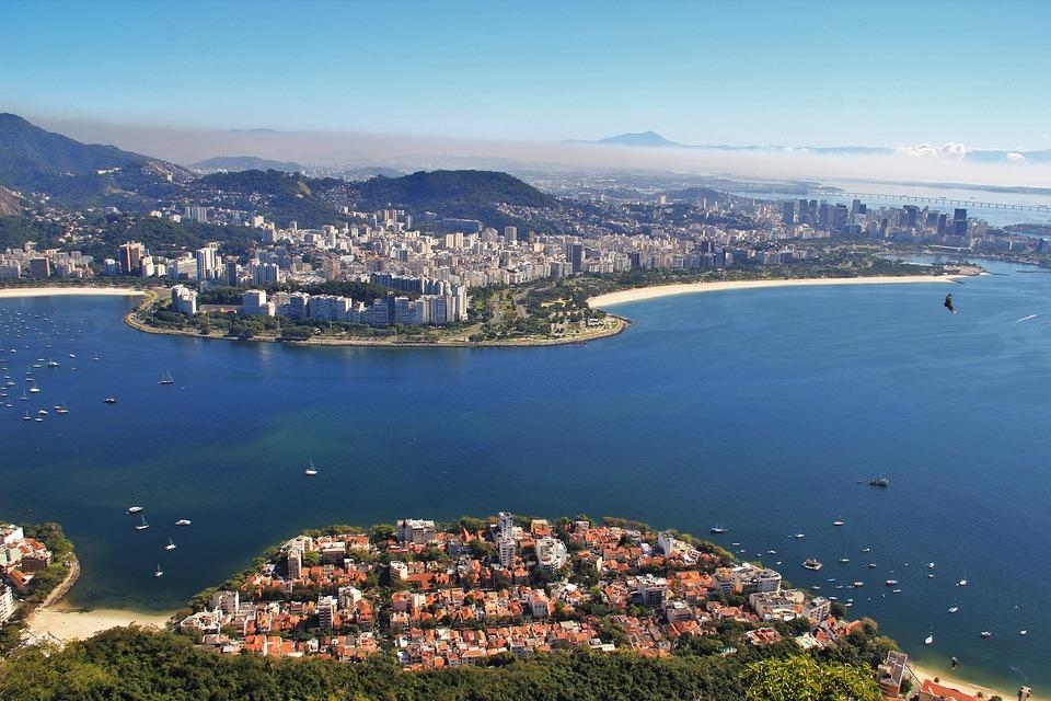 UNESCO je već uključio Rio de Žaneiro na svoju listu Svetske baštine, odnosno njegovo područje pod nazivom Karioka. Ovo područje, sa svim svoj delovima, izabrano je zato što predstavlja svojevrsni spoj prirode i kulture. Ostaje da vidimo kako će se ovaj grad pokazati kao Svetska prestonica arhitekture.