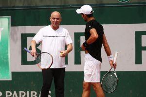 Nastao je MUK kada je Agasi trebao da Novaka uporedi sa Nadalom i Federerom