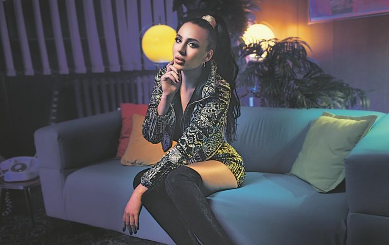 Evo zbog čega je Anastasija Ražnatović za vreme premijere svoje pesme napustila Srbiju