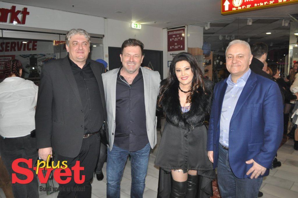 Pogledajte kako je bilo sinoć na koncertu Dragane Mirković u Beču (foto+video)