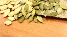 POMAŽU U BORBI PROTIV RAKA: Semenke bundeve rešavaju OSAM zdravstvenih problema! OVO je preporučena doza