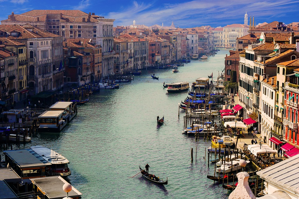 Nova pravila gondolijera u Veneciji zbog predebelih turista
