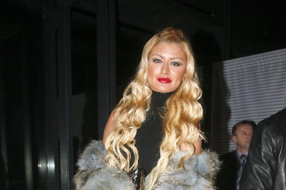Poznata srpska menekenka koja je učestvovala u rijalitiju, bila sa Slobom Radanovićem, sada je trudna i čeka bebu sa jednim uspešnim biznismenom