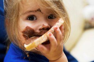 Bolje dati deci parče hleba s mašću, nego mlečnu čokoladu
