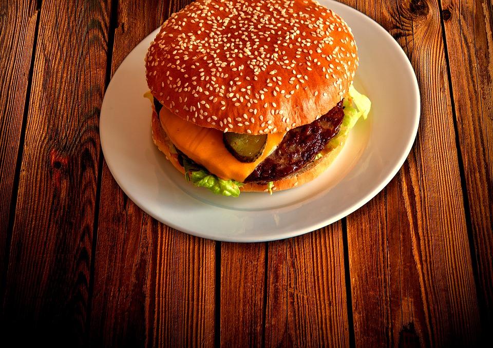 RECEPT DANA: Domaći mini burgeri