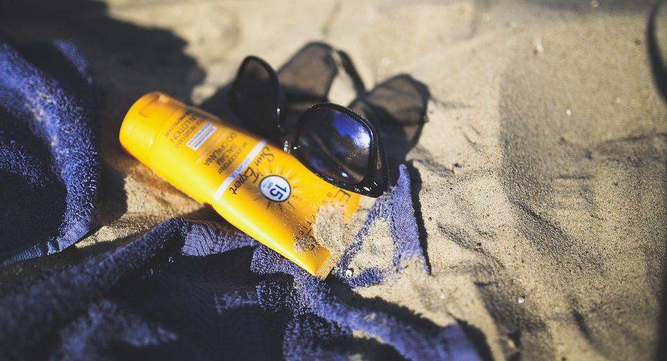Da li će uz ove kreme za sunčanje stajati upozorenje: ZAPUŠITE NOS PA SE ONDA ISPSKAJTE, jer tako čuvate zdravlje?!