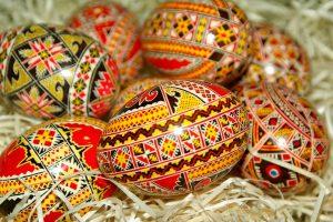 DRŽITE SE STARIH OBIČAJA: Evo šta svaka porodica MORA da URADI za Uskrs radi NAPREDKA i MIRA!