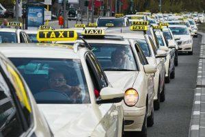 Kako zaustaviti taksi širom sveta