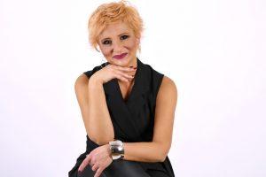 Novinarka i voditeljka Jelena Đ. Popović o emisiji ,, Afrika - Srbija na vezi'' i cenjenoj nagradi ,, Zlatna buklija'' !