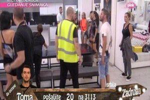 PREKINUTA EMISIJA! Žene namlatile Marka, Marijana kažnjena, reagovalo obezbeđenje! (VIDEO)