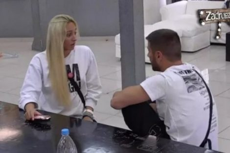 Miljković pored PEVANJA, Luni zamerio i OVO: TI STALNO MENE KRITIKUJEŠ! (VIDEO)