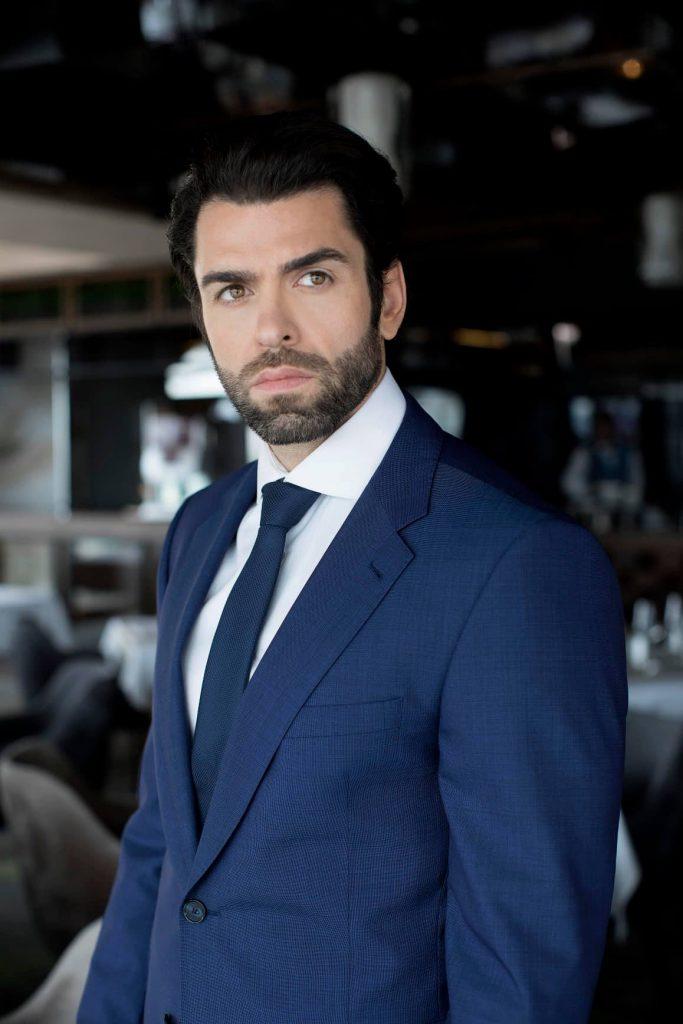 U njima podseća na latino-američke glumce: Srpski top model promovisao novu kolekciju muških odela!
