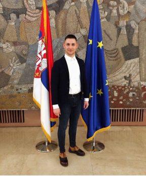 Diplomirani umetnik i ekonomista Filip Cvetković: Negujući kulturu, nastojimo da sačuvamo nacionalni identitet!
