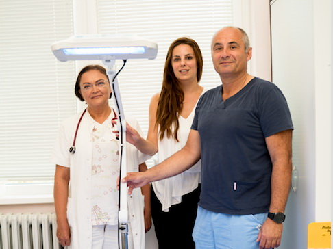 Fototerapijska lampa za terapiju žutice kod novorođenčadi za bolnicu u Aranđelovcu