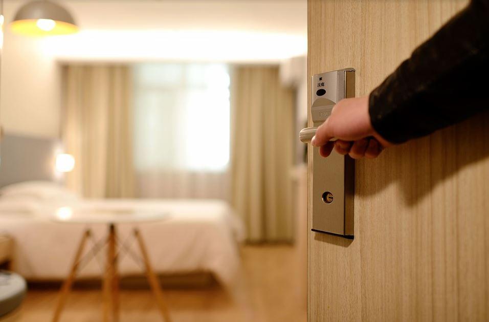 Koja je razlika između hostela i hotela?