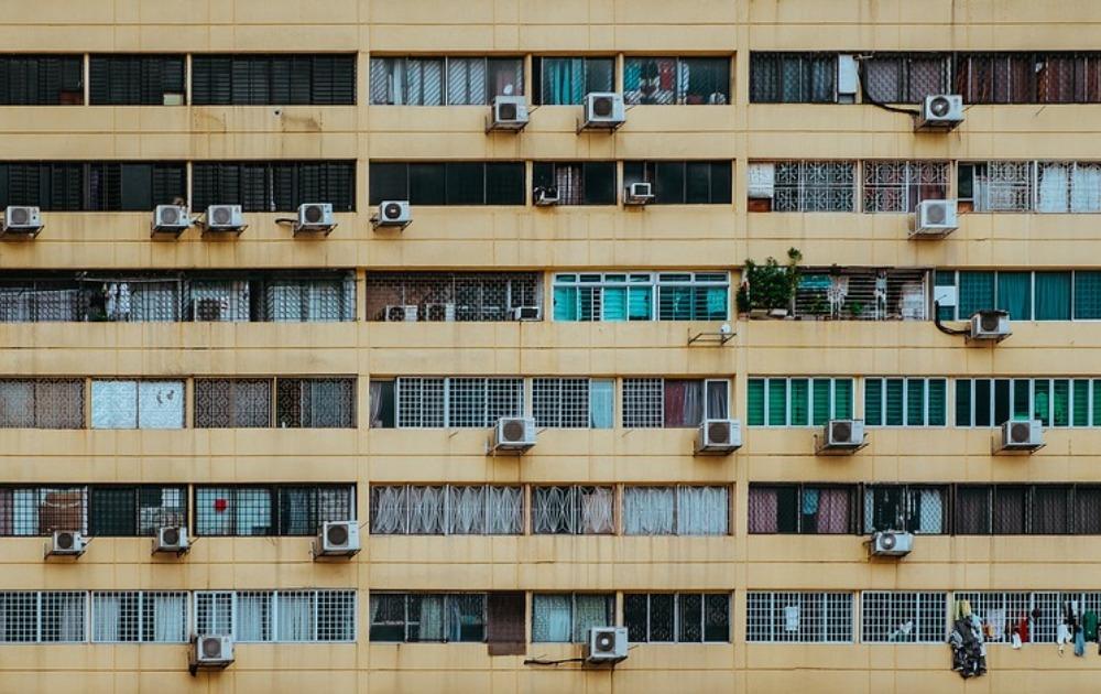 NOVI KUĆNI RED OD DANAS NA SNAZI Evo šta sve ne smete da radite po zgradama, kad je vreme odmora i KO ĆE MERITI BUKU