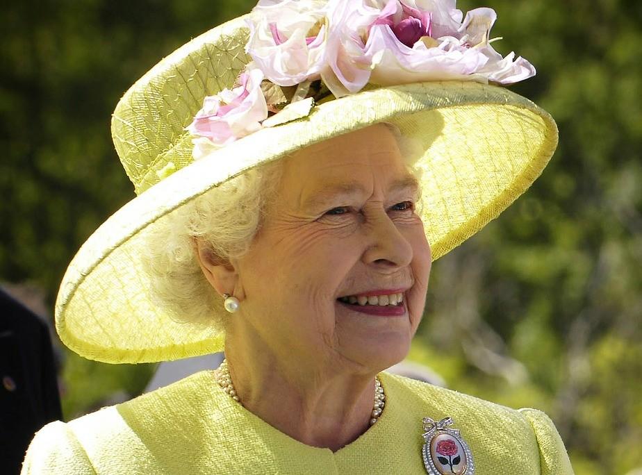 Britanska kraljica godišnje troši 47.4 MILIONA FUNTI
