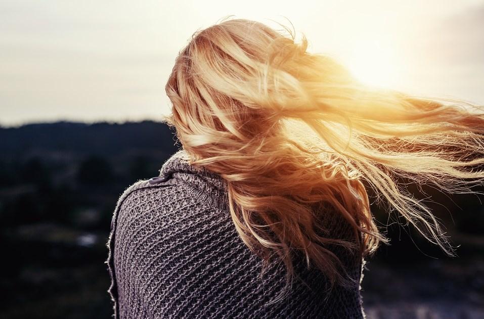 Kako se najlakše rešiti masne kose?