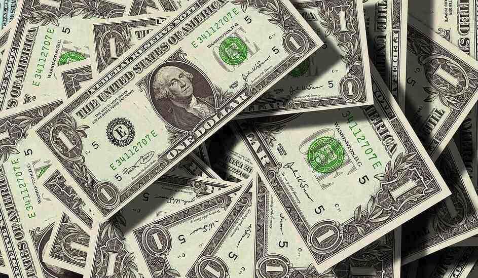 ZARADILA 40.000 DOLARA! Bivša zadrugarka mlati pare GOLOTINJOM