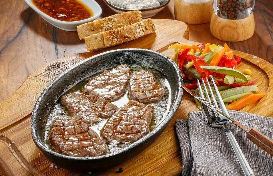 RECEPT DANA: KRMENADLE u sosu od paradajza i paprike
