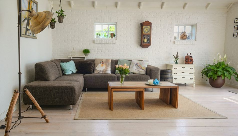 Kad mora brzo da se odreaguje: Očistite tepih poput profesionalca i to sastojcima koje sigurno imate u kući!