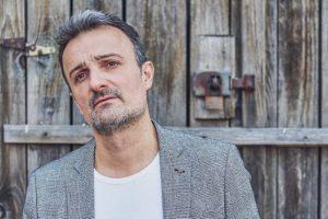 """IVAN MILINKOVIĆ RASPAMETIO PUBLIKU ČUVENIM HITOM ,,MY WAY"""""""