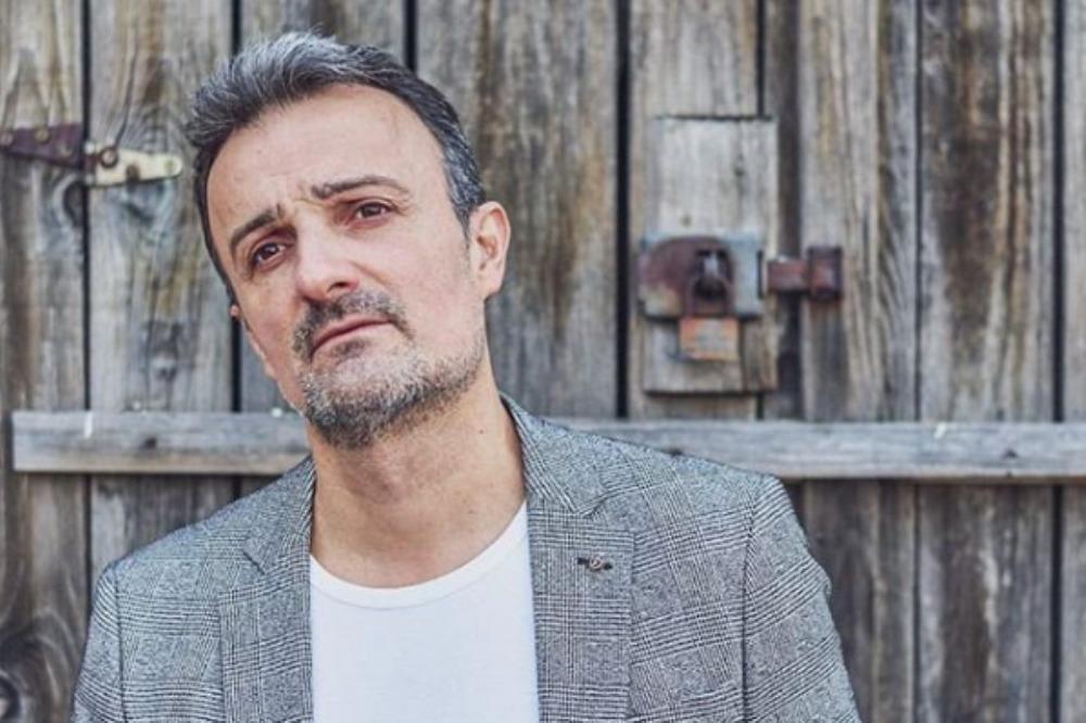 Potpuno neočekivano: Ivan Milinković u pop baladi!